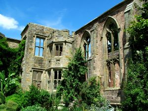 ruinedhousesm